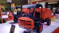 PT Kiat Mahesa Wintor Indonesia menampilkan mobil prototype yang rencananya bakal masuk dalam program pemerintah (Herdi/Liputan6.com)