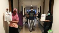 Sejumlah tenaga medis di Kota Bontang Jalani Isolasi di Hotel Grand Mutiara Bontang karena hasil rapid test dinyatakan reaktif.