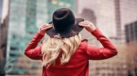 Jadikan gaya makin terkini dengan topi-topi berikut yang tak boleh tertinggal untuk di bawa saat Anda berlibur.