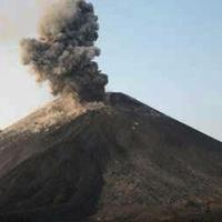 Dalam sehari setidaknya Gunung Anak Krakatau bisa meletus sebanyak 56 kali. (foto: Liputan6.com / BNPB / edhie prayitno ige)