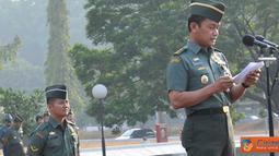 Citizen6, Cilangkap: TNI Mayor Jenderal TNI S. Supriyatna memberikan amanat yang dibacakan oleh Kababinkum TNI Mayor Jenderal TNI S. Supriyatna. (Pengirim: Badarudin Bakri)
