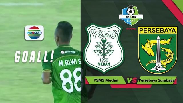 Pemain PSMS Medan, M Alwi mencetak gol indah melalui sepakan bebas yang merobek jala gawang Persebaya Surabaya dalam lanjutan Gojek Liga 1 2018 bersama Bukalapak, Sabtu (1/12/2018).