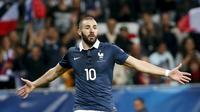 JUARA - Evra opimtisitis Karim Benzema bawa Prancis juara Piala Eropa 2016