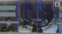 Penyidik KPK bersiap melakukan penggeledahan di Kantor Mina Bahari IV Kementerian Kelautan dan Perikanan (KKP) di Jakarta, Jumat (27/11/2020). Penggeledahan dilakukan pasca-operasi tangkap tangan (OTT) yang menjerat mantan Menteri Kelautan dan Perikanan Edhy Prabowo. (Liputan6.com/Herman Zakharia)