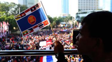 Rayakan 50 Tahun ASEAN, Parade Kostum dan Budaya Meriahkan CFD