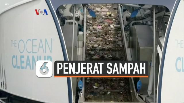 """Seorang pemuda Belanda mencoba memecahkan masalah sampah plastik di perairan dengan menciptakan kapal penjerat sampah sungai. Kapal """"Interceptor"""" ciptaannya sudah beroperasi membersihkan sampah sungai di beberapa negara, termasuk Indonesia. Berik..."""