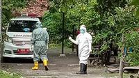 Kabar mengejutkan datang dari Blora, Jawa Tengah. Satu orang warganya dinyatakan positif virus corona (Covid-19), setelah melakukan rapid test usai kembali dari Jakarta. (Liputan6.com/ Ahmad Adirin)