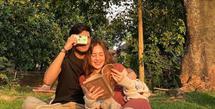 Beby Tsabina beberapa kali mengunggah foto kedekatannya dengan seorang pria yang mencuri perhatian netter. (Instagram @teukuathaa)