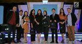 Para pemenang foto bersama  para juri  Emtek Goes To Campus (EGTC) 2018 di Universitas Gajah    Mada, Yogyakarta, Kamis (18/10). Audisi news presenter competition EGTC 2018 di Universitas Gajah Mada (UGM) memenangkan 5 finalis. (Liputan6.com/Herman Zakharia)