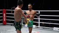 Petarung MMA ONE Championship bergaya muaythai, Fabrice Fairtex Delannon (Kanan) (Foto: Doc ONE Championship)