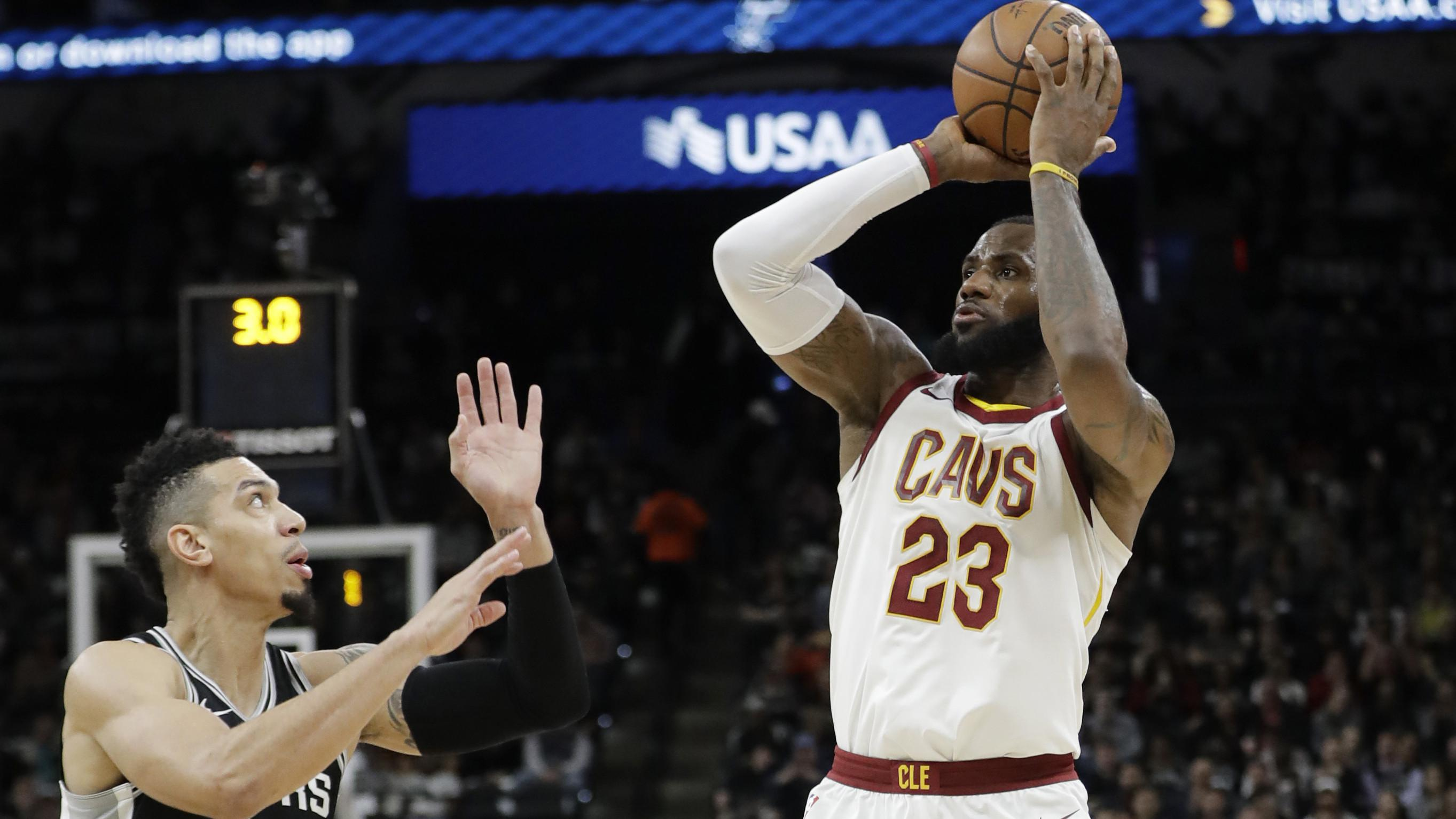 Aksi pemain Cleveland Cavaliers, LeBron James (23) (AP/Eric Gay)