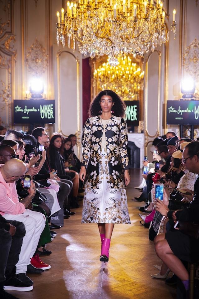 Rancangan busana Tities Saputra yang dipamerkan dihadapan ratusan pelaku industri fashion Paris, dalam FD Paris Fashion Show 2018/copyright Fashion Division