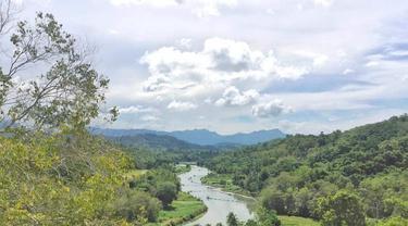 Pemandangan dari puncak Bukit Maddo (Fauzan/Liputan6.com)