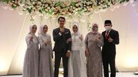 Wakil Wali Kota Bengkulu Dedy Wahyudi menjadi saksi pernikahan Dela Novie Rosetta, Apoteker di sekretariat DPR/MPR RI. (LIputan6.com/Yuliardi Hardjo)
