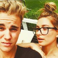 Dilansir dari Cosmopolitan, ternyata Justin Bieber dan Hailey Baldwin tak hanya pergi ke gereja bersama. (instagram/justinbieber)