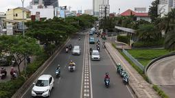 Kendaraan melintasi Jalan Margonda Raya, Depok, Jawa Barat, Kamis (21/3). BPJT dan Dishub Kota Depok akan memberlakukan sistem ganjil genap setelah 17 April 2019 atau usai pemilu dan diberlakukan pada akhir pekan. (Liputan6.com/Immanuel Antonius)