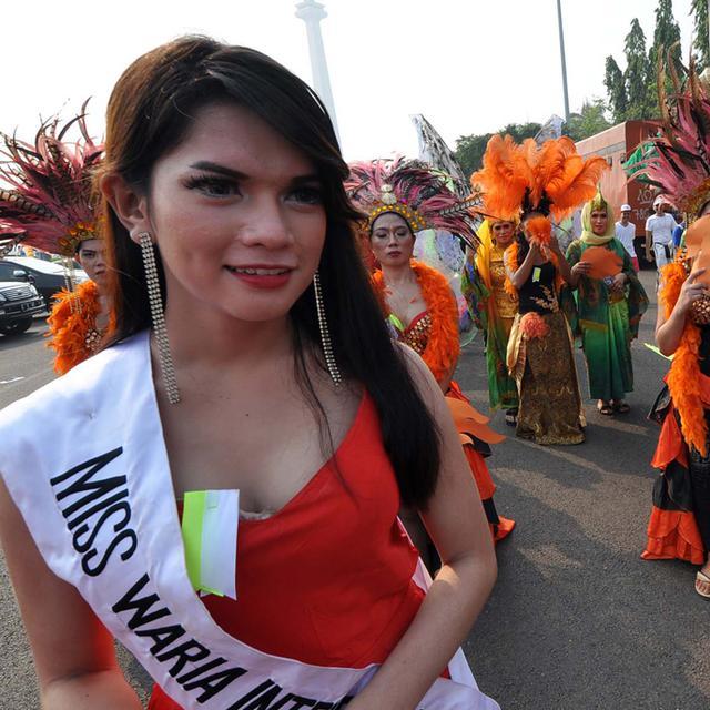 Ratusan Waria Warnai Karnaval Seni Budaya Dki Jakarta Foto Liputan6 Com