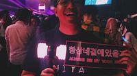 Joshua Suherman menonton konser Blackpink In Your Area hari pertama. (dok. Instagram @jojosuherman/https://www.instagram.com/p/Bs0awTjDNBZ/Esther Novita Inochi)