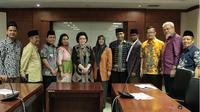 Komisi III DPD berkumpul di di Gedung DPD RI Komplek Parlemen untuk membahas tentang payung hukum profesi spa atau terapis.