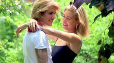 Beberapa bulan terakhir sepertinya menjadi waktu yang mengejutkan untuk Justin Bieber dan Hailey Baldwin. (Mzurii)