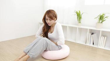Konsumsi lima makanan yang dapat membantu menguraingi gejala yang menyiksa saat sedang haid.