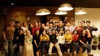 Awak redaksi dari kanal Bola Liputan6.com, Bola.com, dan Bola.net berkumpul merayakan kebersamaan dan pencapaian prestasi. (Bola.com/Muhammad Iqbal Ichsan)