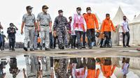 Menteri Perhubungan mengunjungi lokasi yang diduga jatuhnya pesawat Sriwijaya Air SJ182 (dok: BKIP)