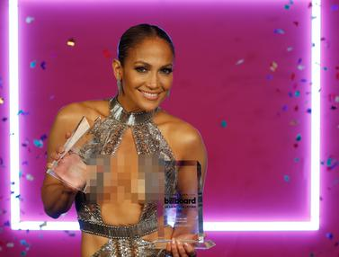 Jennifer Lopez di Billboard Latin Music Awards-AP-20170428