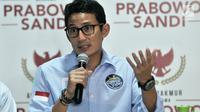 Cawapres nomor urut 2 Sandiaga Uno memaparkan penerimaan dan pengeluaran dana kampanye pasangan Prabowo-Sandiaga di Jakarta, Rabu (28/11). Penerimaan dana kampanye pribadi Sandiaga sebesar Rp 28,5 miliar. (merdeka.com/Iqbal S Nugroho)