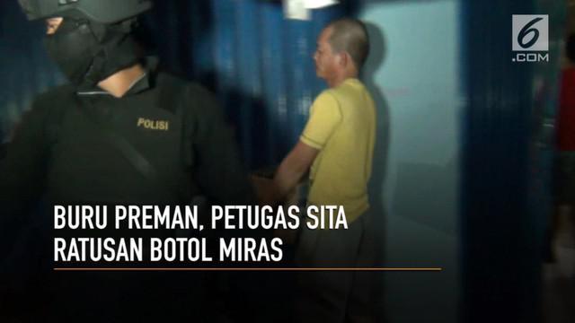 Tim pemburu preman Polres Jakarta Barat grebek gudang miras oplosan di pedongkelan.