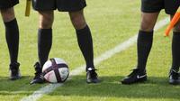 Wasit dalam sepak bola. (AFP/Jean-Christophe Verhaegen)