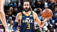 Guard Utah Jazz, Ricky Rubio, mencetak 21 poin untuk membantu timnya mengalahkan Los Angeles Lakers 96-81 di Vivian Smart Home Arena, Utah, Sabtu (28/10/2017). (Utah Jazz)