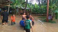 Banjir kiriman melanda permukiman di lingkungan RW 8, Kelurahan Sawangan Baru, Kecamatan Sawangan, Kota Depok. (Istimewa)
