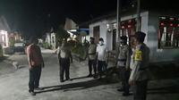 Aparat Kepolisian menyampaikan imbauan Protokol Kesehatan (Prokes) di wilayah perbatasan RI-Filipina.