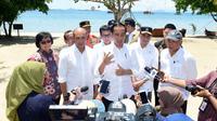 Presiden Joko Widodo atau Jokowi di Labuan Bajo, NTT, Senin (20/1/2020). (foto: Biro Pres Setpres)