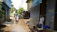 Warga Cipinang Melayu mengaku banjir kali ini di luar dari biasanya.
