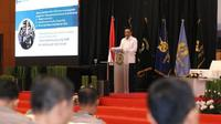 Menteri PANRB Syafruddin saat menjadi pembicara dalam Seminar Sespimti Polri, di PTIK, Jakarta, Senin (15/10).