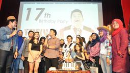 Bertajuk 'Birthday 17 th party Teuku Rizky; Dream It, Wish It, Do it', Kiki CJR merayakannya bersama ratusan penggemar, Jakarta, Minggu (4/1/2015). (Liputan6.com/Panji Diksana)