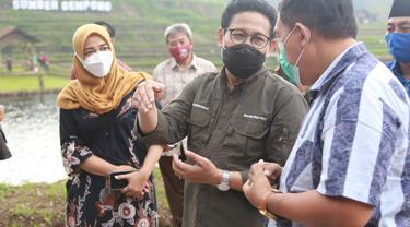 Mendes Abdul Halim Iskandar  melakukan kunjungan kerja ke Desa Ketapanrame, Kecamatan Trawas, Mojokerto, pada Sabtu (8/5/2021).