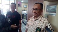 Juru Bicara Pengadilan Negeri Garut Endratno Rajamai saat memberikan penjelasan di depan media beberapa waktu lalu (Liputan6.com/Jayadi Supriadin)