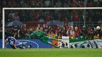 Kegagalan John Terry saat adu penalti Chelsea dan Manchester United di final Liga Champions 2007/2008. (AFP)