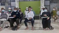 Ustaz Abdul Somad bersama pemuka agama dan tokoh masyarakat menyampaikan sikap atas aksi penolakan Rizieq Shihab dan penahanan Ketua FPI Pekanbaru. (Liputan6.com/M Syukur)