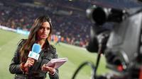 Sara Carbonero juga menjadi pusat perhatian di arena Piala Dunia (fansshare.com)
