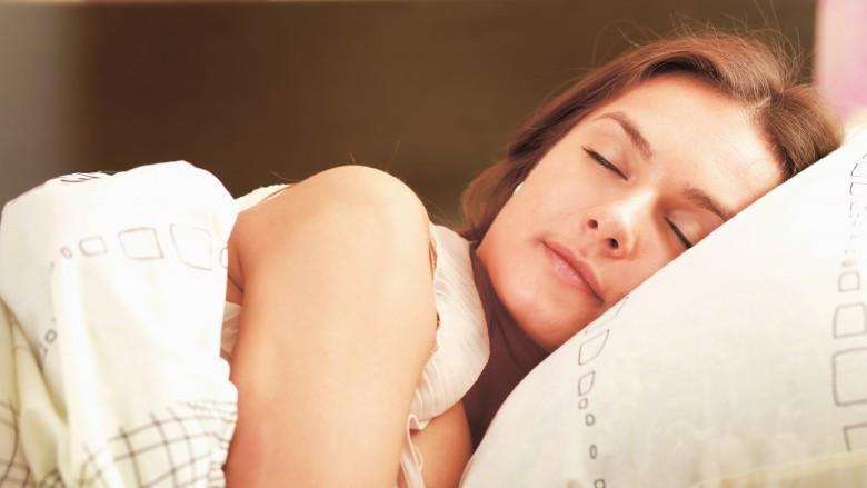Hati-hati, girls, ini sederet akibat kurang tidur yang berbahaya untuk kamu. (Sumber Foto: Shutterstock/The List)