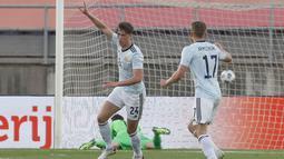 Skotlandia melesatkan gol pertama mereka di menit ke-11 lewat serangan balik yang dituntaskan oleh Jack Hendry. Sotlandia unggul 1-0 atas Belanda. (Foto: AP/Miguel Morenatti)