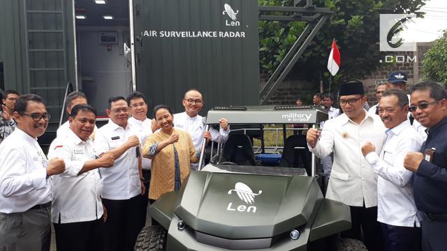 Menteri BUMN Rini Soemarno saksikan peluncuran produk PT Len Industri