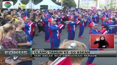 Parade budaya 10 negara Asia Tenggara meriahkan HUT ke-50 ASEAN di Jakarta.