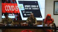 RSUD Sidoarjo membatasi jumlah pengunjung untuk mencegah penyebaran COVID-19 (Liputan6.com/ Dian Kurniawan)