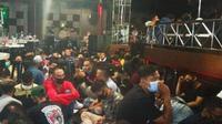 Suasana salah satu diskotek di Pekanbaru di tengah kepungan Covid-19 di Riau. (Liputan6.com/M Syukur)
