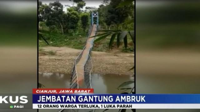 Dari penuturan petugas BPBD Cianjur, ambruknya jembatan ini akibat putusnya kawat baja atau sling jembatan.